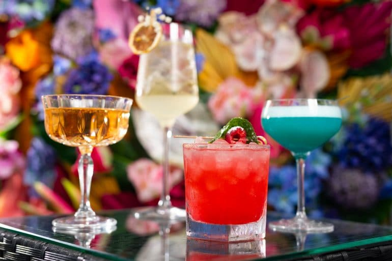 Cocktails in the sky, Avant Garden Style